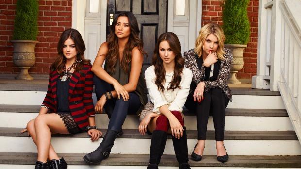 Pretty Little Liars promo photo