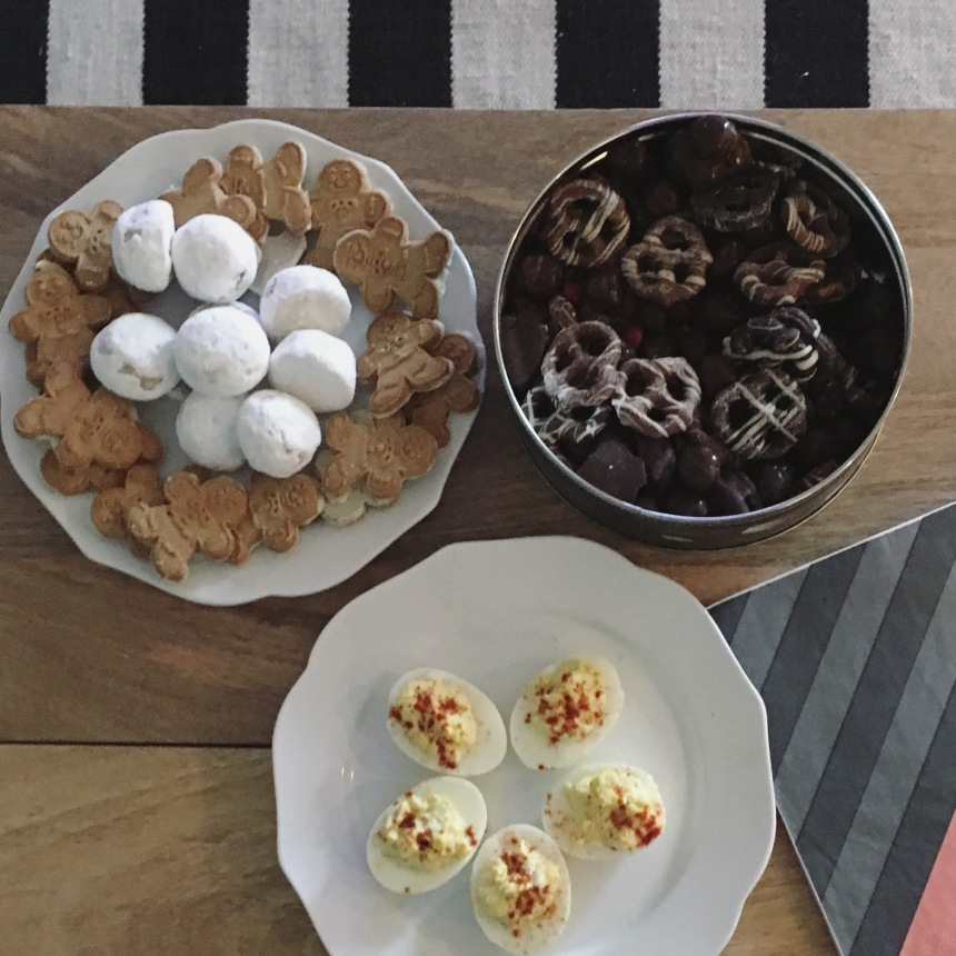 Snacks on Coffee Table for Thanksgiving