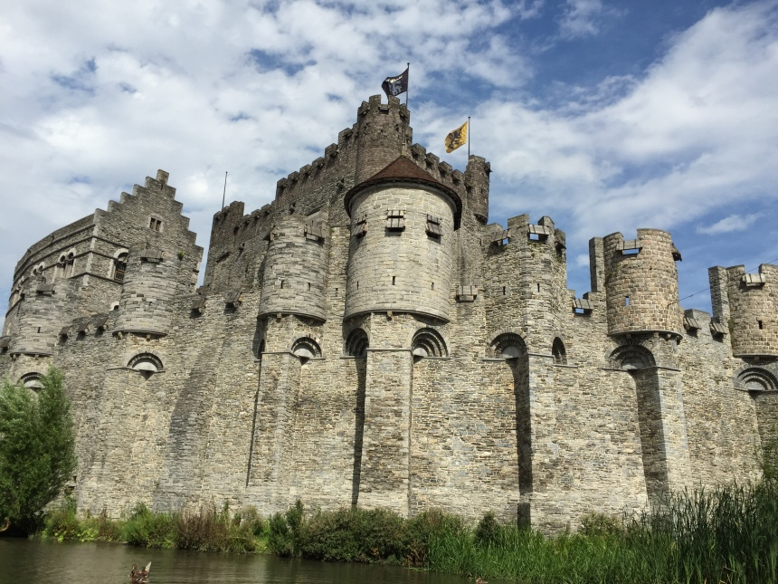 ghent_castleexterior2